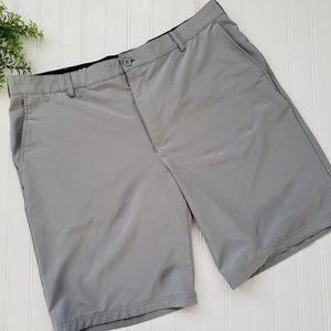 Izod Gray Stretch Golf Shorts size 40